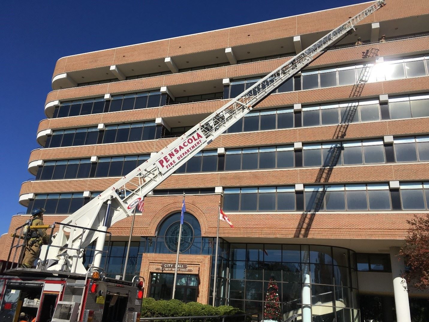 Ladder truck and city hall (2)